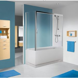 Kabina nawannowa na bazie drzwi przesuwnych i ścianki bocznej w kolorze srebrnym błyszczącym i z wypełnieniem W0