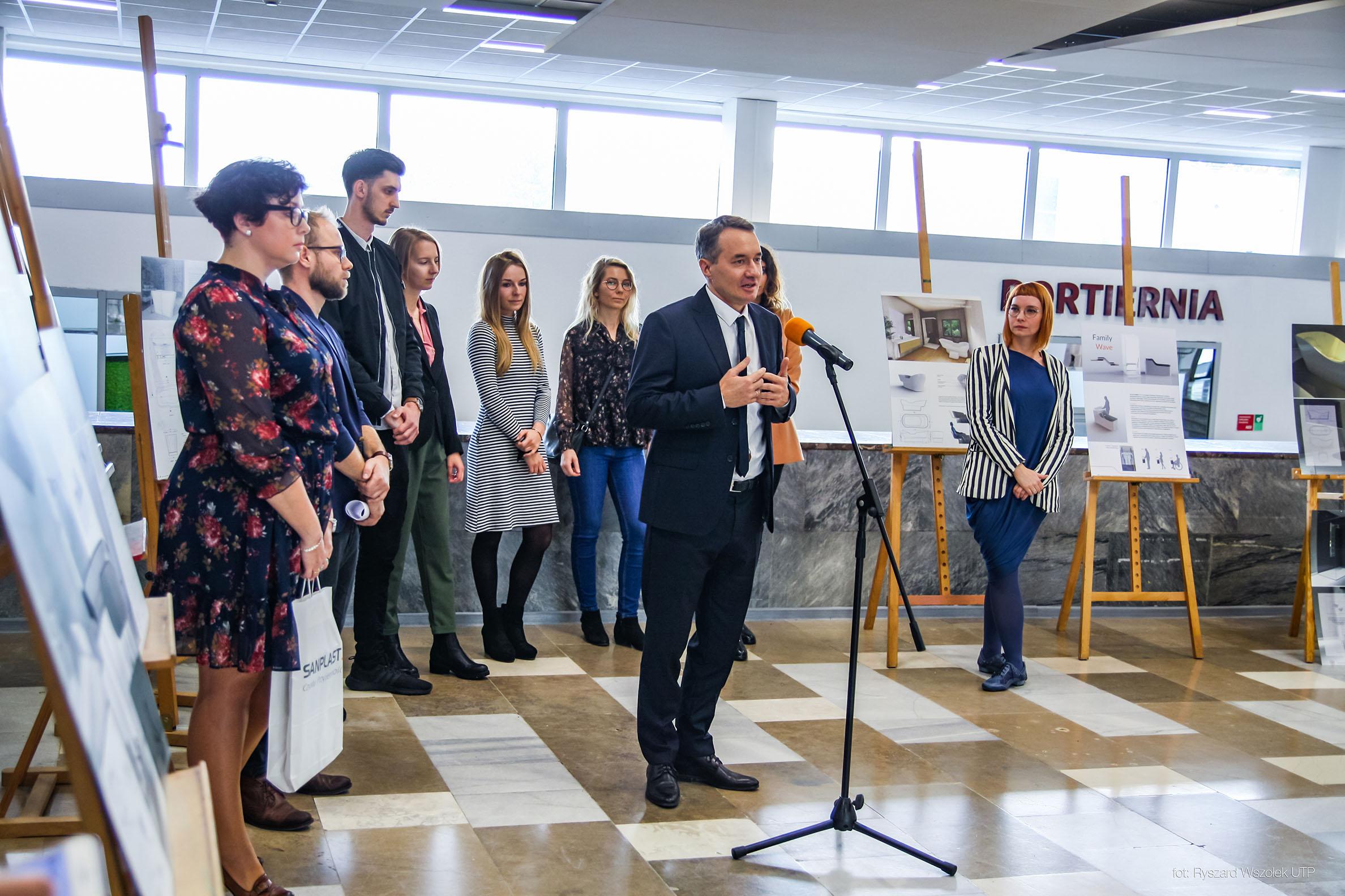 """Znamy laureatów konkursu """"Nowe spojrzenie na łazienkę"""" organizowanego przez firmę SANPLAST SA."""